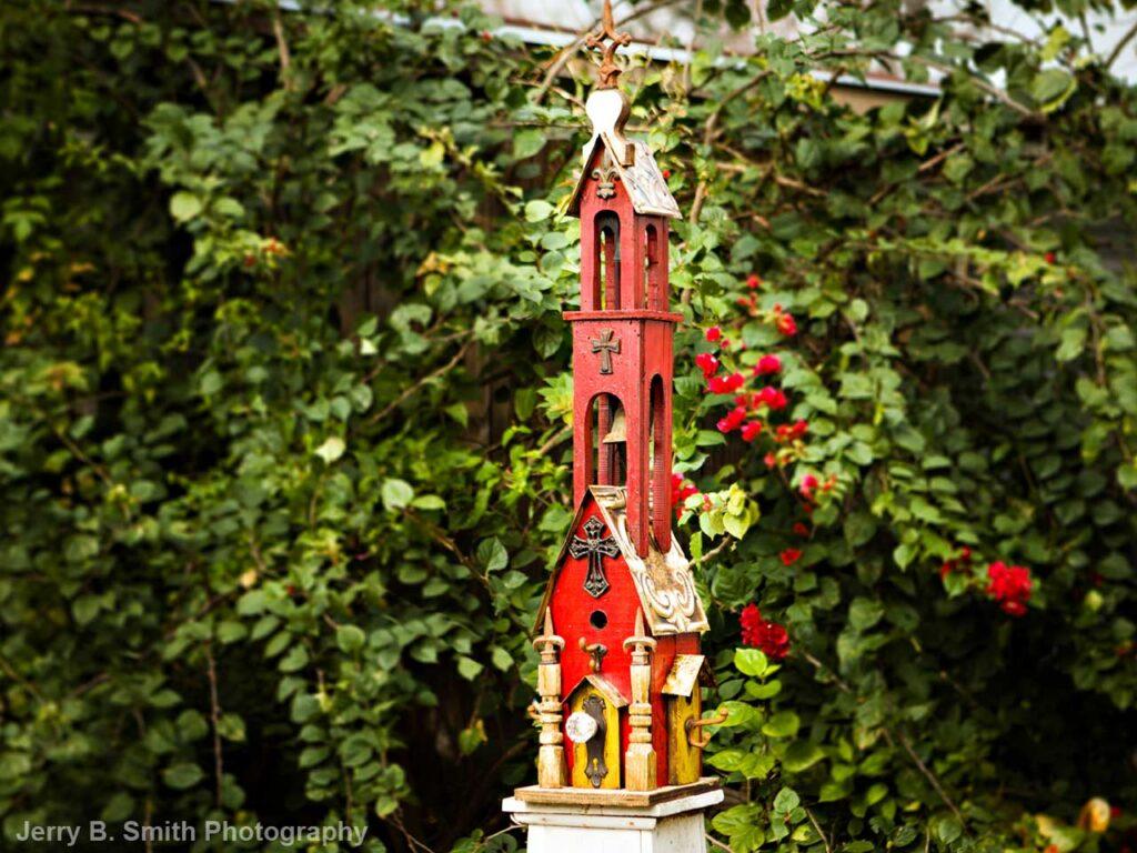 stunning birdhouse design